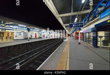 La gare de Winchester sur le réseau principal de Londres à Southampton Banque D'Images