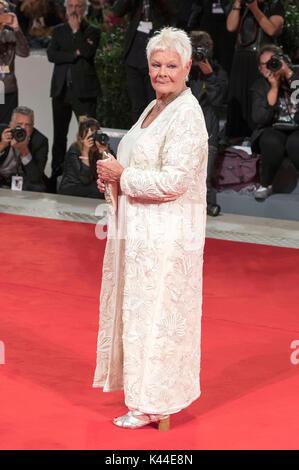 Venise, Italie. 06Th sep 2017. Judi Dench participant à la 'Victoria & Abdul' première mondiale au 74e festival Banque D'Images