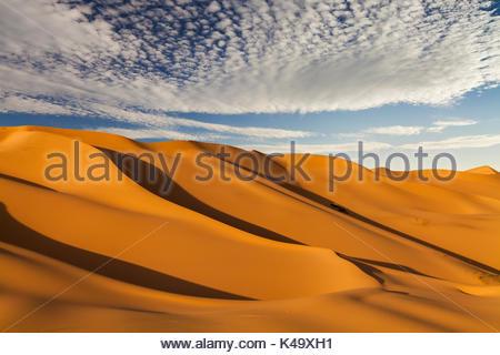 De belles dunes de sable dans le désert du sahara Banque D'Images