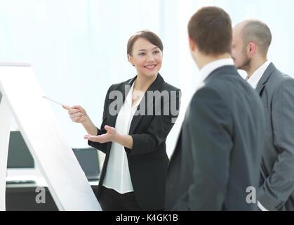 Des collègues d'affaires dans la salle de réunion Banque D'Images