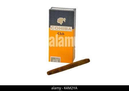 Moscou, Russie - 17 avril 2015: une boîte de Cohiba cigares club