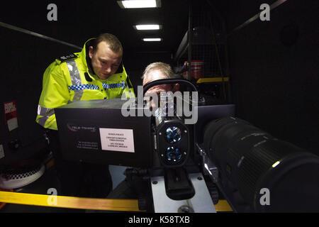 Le trafic mobile appareil photo, non seulement peut être la vitesse détectée mais les pilotes peuvent être enregistrées Banque D'Images