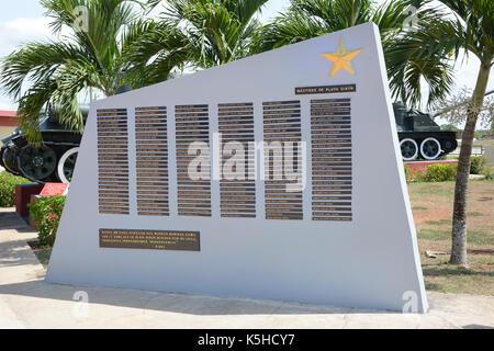 Playa Giron, Cuba - juillet 24, 2016: le musée de la baie des Cochons. la plaque avec les noms des soldats morts Banque D'Images