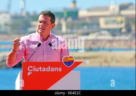 Barcelone, Espagne. Sep 11, 2017. Le Président de l'Ciutadans groupe politique Albert Rivera prend la parole lors Banque D'Images
