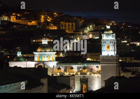 L'église de La Merced (Basilica de Nuestra Se-ora de la Merced) dans le centre historique, illuminé la nuit, Quito, Banque D'Images