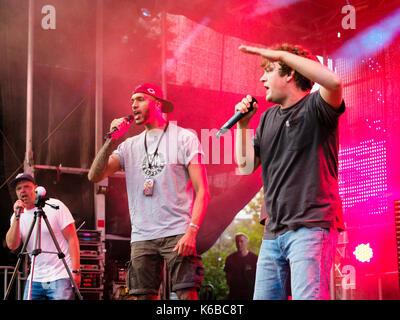 Le groupe de rap 'Tsychofix' en prestation au festival du parc Waltrop