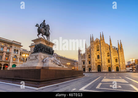 La cathédrale de Milan (Duomo de Milan) lors de l'aube, Milan (Milan), Italie Banque D'Images