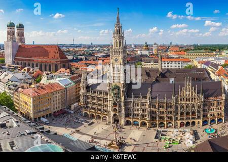 La ville de Munich au nouvel hôtel de ville de Marienplatz, Munich, Allemagne Banque D'Images
