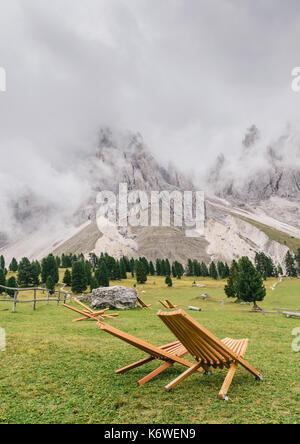 Après-midi d'automne sur le val di Funes, Santa maddelena et l-geisler spitzen, dolomites, Trentin-Haut-Adige, Italie Banque D'Images