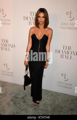 New YORK, NY - 14 SEPTEMBRE: Emily Ratajkowski assiste à la 3ème boule annuelle de diamant de Rihanna à Cipriani Banque D'Images