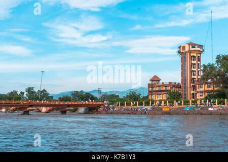 River View light house bâtiment près du pont de la rivière ganga Banque D'Images