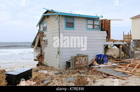 16 septembre 2017- sud Ponte Vedra Beach, Floride, États-Unis - les vagues sont vus à proximité d'une maison en Banque D'Images