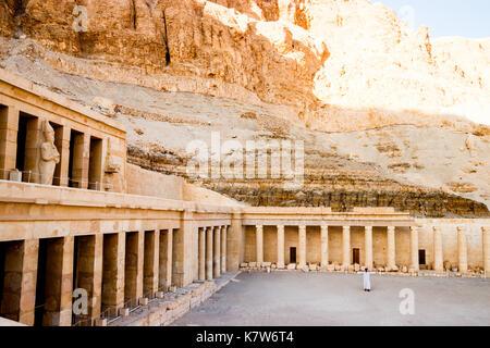 L'ancien temple d'Hatchepsout à Louxor, Egypte Banque D'Images
