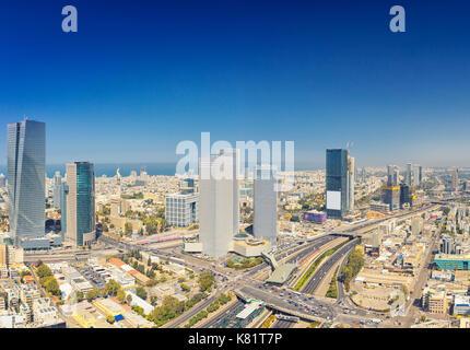 Vue panoramique sur Tel Aviv et Ramat Gan skyline à jour. Tel aviv cityscape vue aérienne Banque D'Images