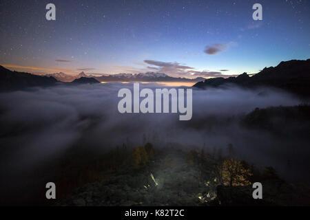 Lever du soleil sur le mont Rose et Cervin. Parc Naturel du Mont Avic. valle d'aosta graian alps Italie Europe Banque D'Images