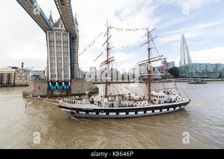 Londres, Royaume-Uni. 18 sep, 2017. Le stavros s niarchos, exploité par la Tall Ships youth trust (tsyt) avec de Banque D'Images
