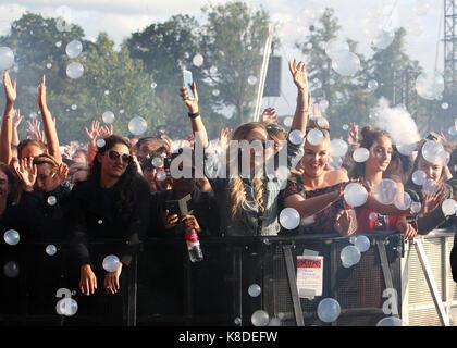 Les images de cette première journée de festival de v à Hylands Park à Chelmsford, Essex, Angleterre le samedi 19 Banque D'Images