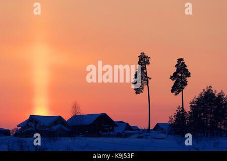 Northern Light sur une ferme en Islande. dernier rayons de soleil Banque D'Images