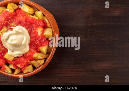 Patatas bravas, espagnol plat de pommes de terre, les frais généraux libre shot Banque D'Images