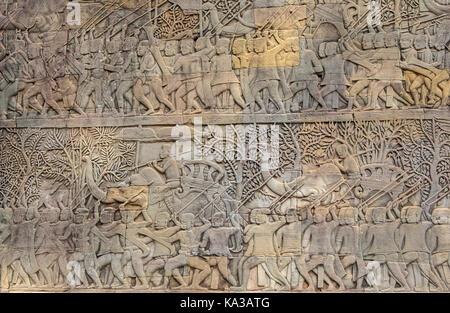 La représentation, l'épique Ramayana, bas-reliefs, au temple Bayon, Angkor Thom, Angkor, Siem Reap, Cambodge Banque D'Images