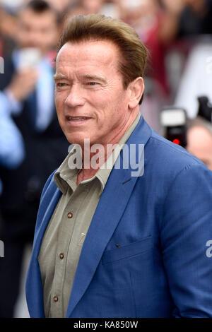 San Sebastian, Espagne. 25 septembre 2017, Arnold Schwarzenegger est vu arriver au 65e festival du film de San Sebastian Banque D'Images
