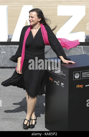 San Sebastian, Espagne. 25 Septembre, 2017. L'écrivain et producteur autrichien Barbara Albert pose après la présentation Banque D'Images