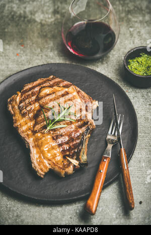 Faux-filet chaud grillé Steak de boeuf au vin rouge
