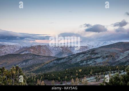 Paysage de Mongolie en couleurs d'automne Banque D'Images