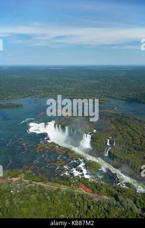 Gorge du diable (Garganta do Diabo), chutes d'Iguazu, sur le Brésil - frontière Argentine, Amérique du Sud - aérien Banque D'Images
