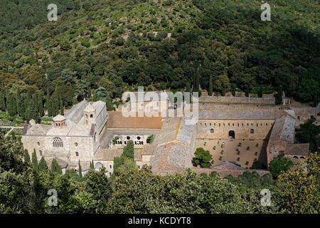 Fontfroide, France, le 30 mai 2016: Abbaye de Fontfroide ou abbaye sainte-marie de fontfroide est un ancien monastère Banque D'Images