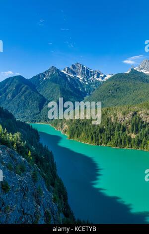 Diablo lake de négliger est un réservoir dans le nord de la chaîne des Cascades du nord de l'état de Washington Banque D'Images