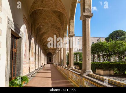 Le cloître de Santa Chiara (Chiostro di Santa Chiara), le couvent de Santa Chiara, à Naples, Italie Banque D'Images
