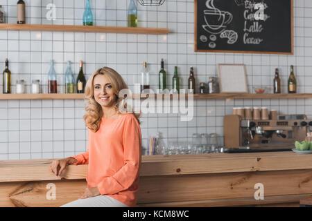 Propriétaire de cafe Banque D'Images