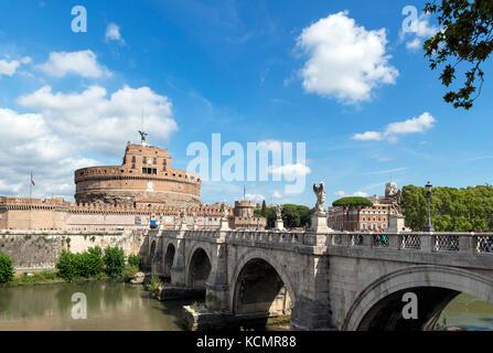Le Castel Sant'Angelo et le Ponte Sant'Angelo sur le Tibre, Rome, Italie Banque D'Images