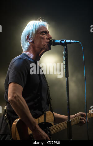 Toronto, Canada. 10 octobre 2017. Paul Weller se produit lors de son Aimable tour de révolution. Crédit: Bobby Singh/Alay Banque D'Images