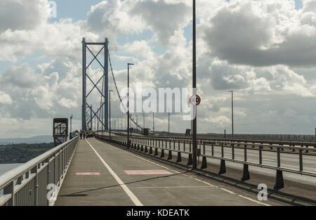 Un pont de Forth Road, Queensferry, Ecosse, Royaume-Uni