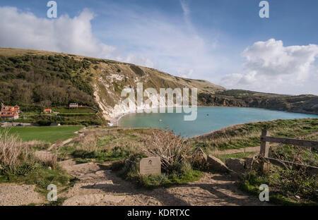 Un grand angle de vue sur la Crique de Lulworth Côte Jurassique dans le Dorset, Angleterre, RU Banque D'Images