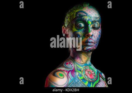 Belle body art - visage artistique (vue de face) Banque D'Images