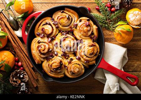 Canneberges et Orange cannelle pour le petit déjeuner de Noël Banque D'Images