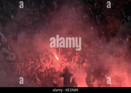 Nicosie, Chypre. 17 oct, 2017 les fans de Nicosie. Au cours de la phase de groupe de la Ligue des champions match Banque D'Images