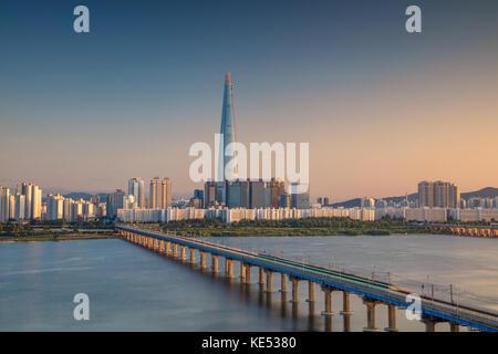 Séoul. cityscape image de Séoul et han river pendant le coucher du soleil. Banque D'Images