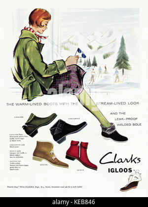 1950 old vintage annonce publicitaire magazine britannique original clarks bottes igloo en date du 1958 Banque D'Images