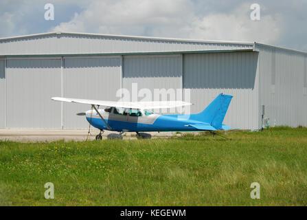 e8ddcf403bda Ancienne vue du côté de l avion à hélice Banque D Images, Photo ...