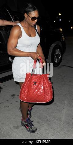 Miami BEACH, FL - 13 MAI : le tennis Great Serena Williams va dîner dans un restaurant 4 étoiles portant des baskets Banque D'Images