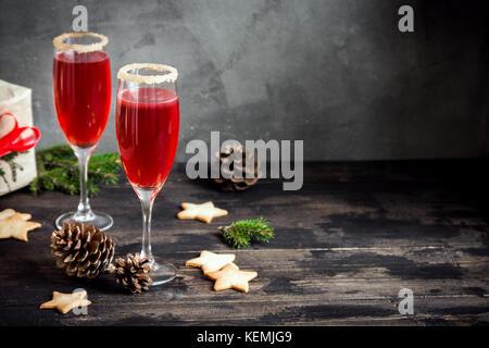 boisson festive mimosa pour no l rouge champagne mimosa. Black Bedroom Furniture Sets. Home Design Ideas