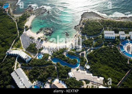 Vue aérienne de la Riviera maya beach et centre touristique, Quintana Roo, Mexique Banque D'Images