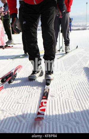 Usa, Utah, Midway, Soldier Hollow, d'apprendre comment le biathlon, mettant à l'émission Cross Country Ski Banque D'Images