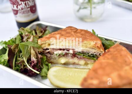 Artisan sandwich fait avec des fromages de chèvres à Door County Creamery dans le comté de porte communauté de Sister Banque D'Images