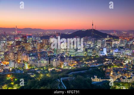 Séoul. cityscape image de centre-ville de Séoul en été le lever du soleil. Banque D'Images