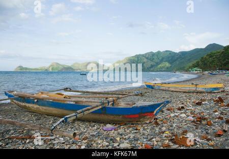Bateaux de pêche sur la plage à Dili, Timor-Leste (Timor oriental) Banque D'Images